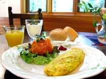 ご朝食は美術館内のカフェで。