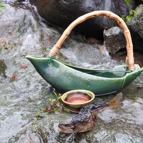 *岩魚骨酒/焼いた岩魚の香ばしい香り、地酒「貴娘」を使用しております