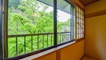 *お部屋から見える眺望は指定できませんが、山側か川側のどちらかとなります。