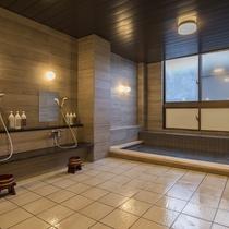 当温泉にはお肌の汚れや古い角質を取り除く効果があり、スキンケアに適した「美人の湯」と呼ばれています。