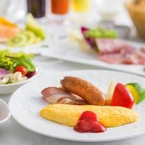 ふわとろオムレツや新鮮野菜が自慢の朝食をご用意いたします♪