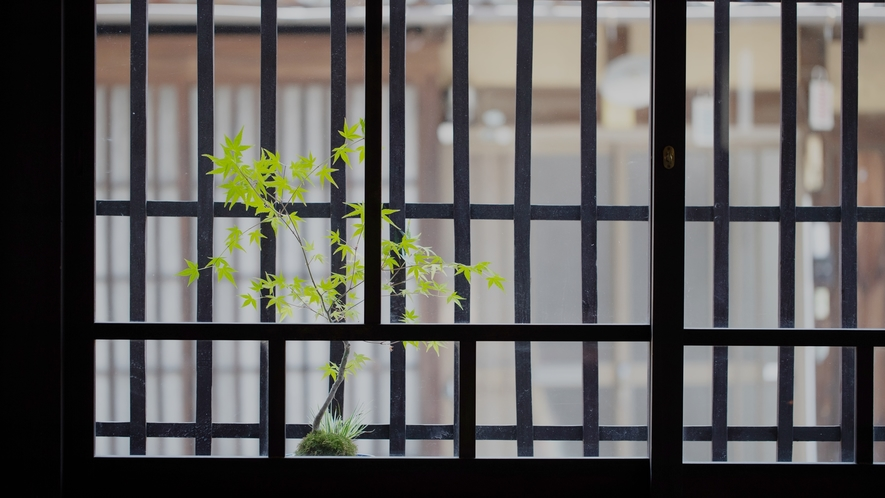 *【館内一例】土間の窓