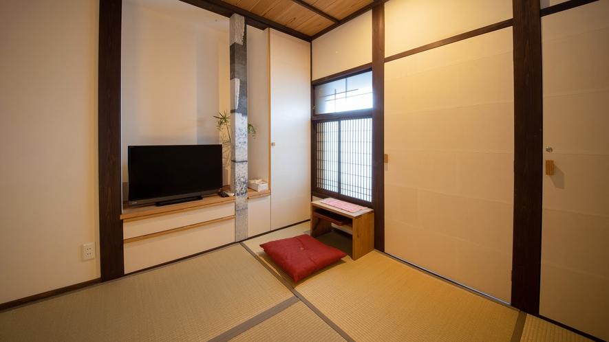 *【寝室2】布団を2組敷ける和室