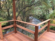 バルコニーから望む川