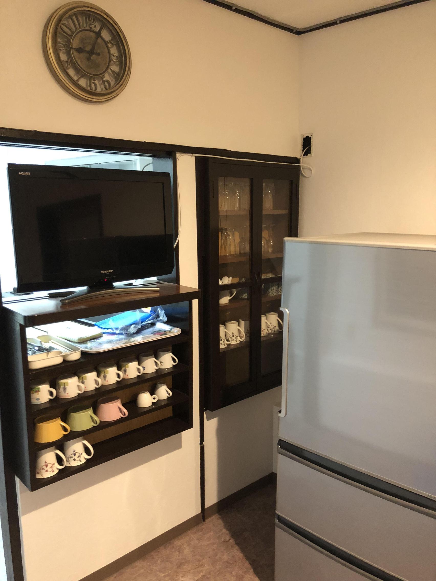 テレビと食器