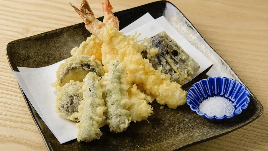 お食事処 実乃里/料理イメージ/大海老と野菜の天ぷらの盛り合せ