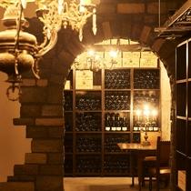 ワインセラー/多種多様なワインをご用意しております