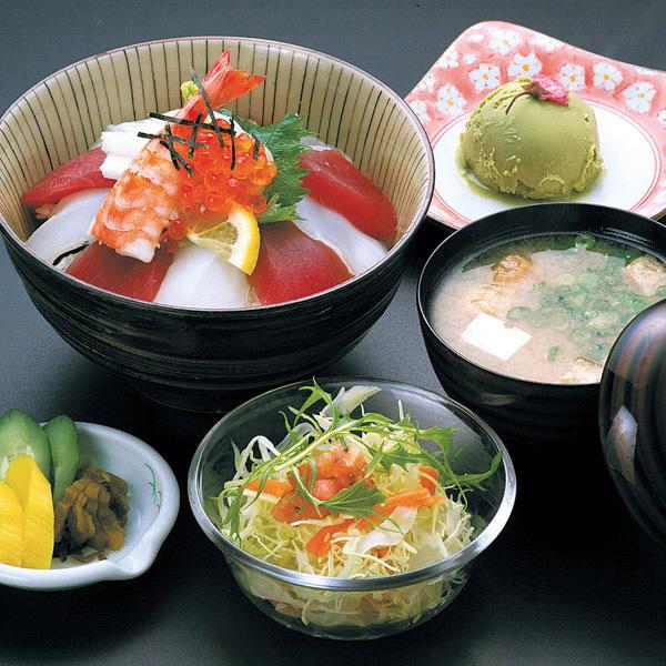 人気海鮮丼