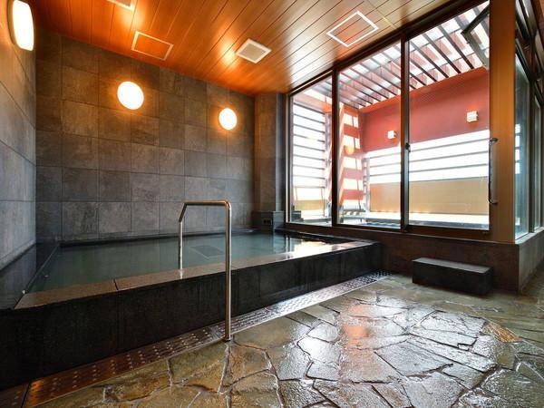 大浴場 14階にございます。15時から25時までのご利用頂けます。