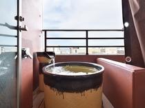 露天風呂 スーペリアダブルのお部屋には露天風呂がございます。
