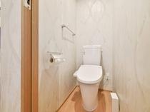 トイレ スーペリアダブルルームは独立型のトイレとなります。