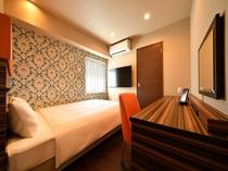 スーペリアダブルルーム 客室露天風呂付きのお部屋です。室内にはシャワー室がございます。