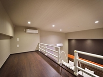 ファミリールーム シングルベッドが3台のお部屋です。
