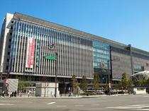 【JR博多駅】徒歩で10分!九州最古の駅の一つ。当施設への道のりにはたくさんのグルメも!