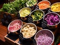 チョップドサラダ 福岡・九州産の新鮮野菜をご用意しております。女性に大人気のパクチーも!