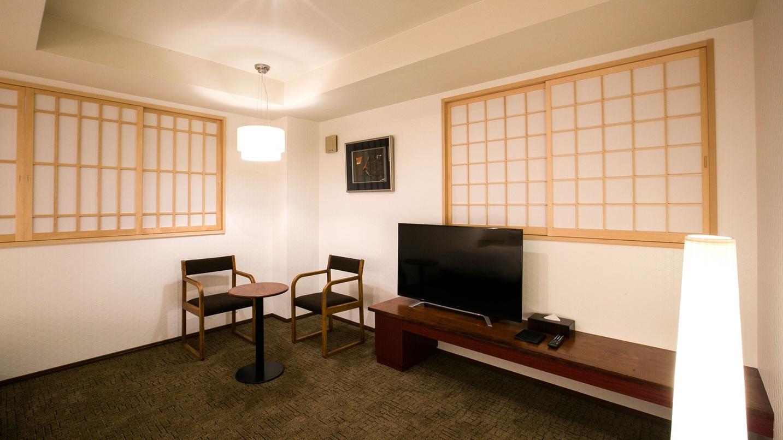 *【トリプル】漆の調度品、銘木に漆を塗った家具をお楽しみ下さい