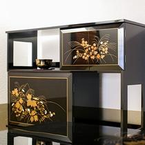 【スイート】漆の家具:飾棚「草加蒔絵」