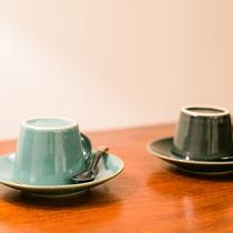 【部屋備品】益子焼のカップでコーヒーをどうぞ