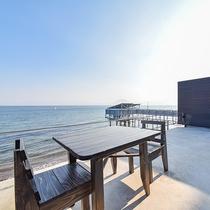 *【お部屋一例(武蔵)】テラスで海を眺めてのんびりお過ごしいただけます♪
