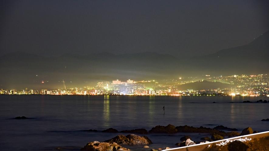 *夜はキレイな大分市の夜景をご覧いただけます。