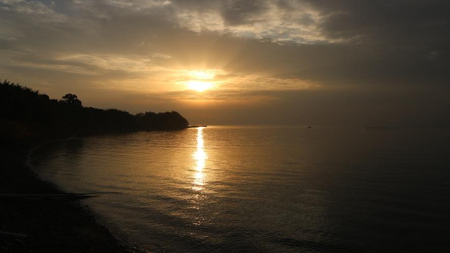 * 穏やかな海から昇る朝日もご覧いただけます。