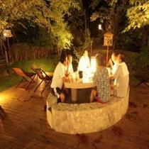 薩摩焼酎を楽しめるテーブル付き足湯