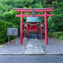 【神のゆりかご霧島温泉】敷地内にある殿湯神社