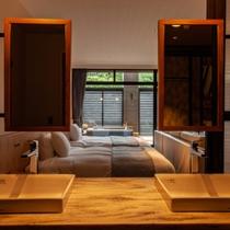 『SANAワイド(121客室)』洗面ブースから客室