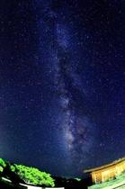 アマカと天の川。こんなに星があったのかと驚きます。夏はさそり座がくっきり。