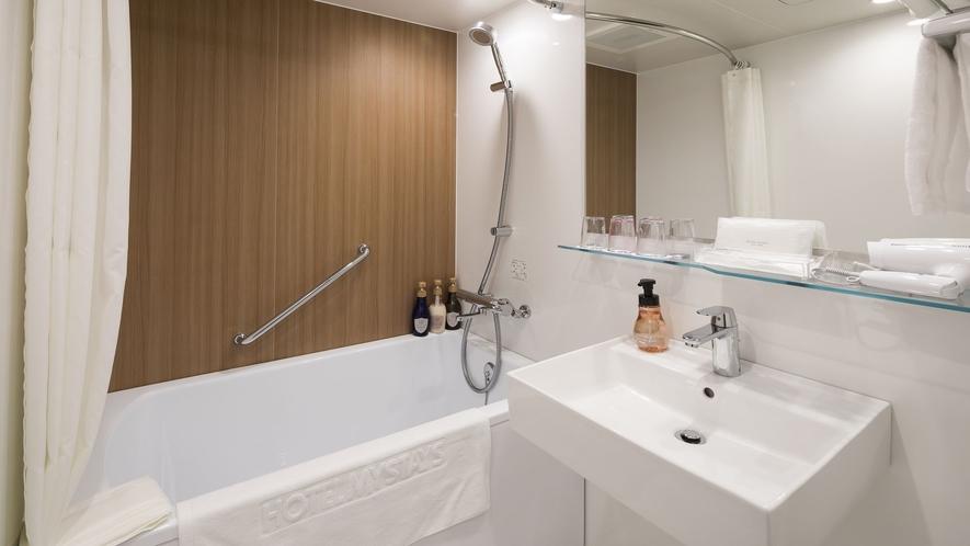 スタンダードトリプル バスルーム一例