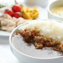 名古屋めしをはじめ和洋中30〜45種類の朝食バイキング