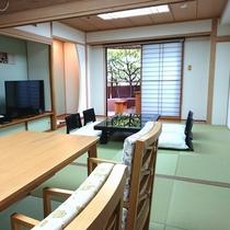 9階足湯・2間続き客室一例◆五十崎ギルディング和紙を使用した空間となっております