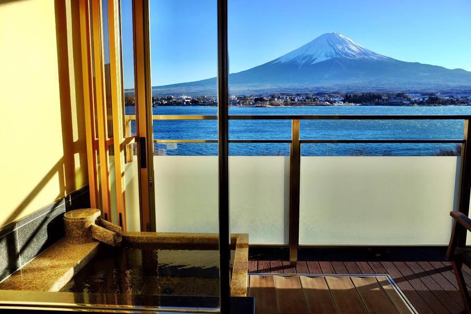 湖畔別邸 『千一景』(センイッケイ) 露天風呂付き客室湖畔(一例)