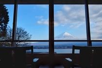 ホテル本館和室10畳からの眺望(一例)