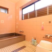 浴室は男女各1室ずつ御座います。