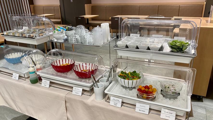 【冷小鉢】サラダ、デザートコーナー