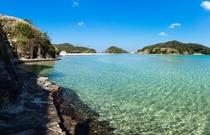 エメラルドグリーンの海が広がる辰の島