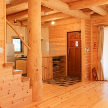 *【コテージ/1階一例】落ち着きと可愛らしさを併せ持った室内