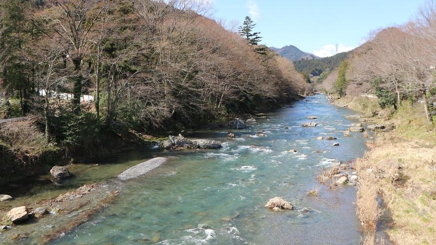 *【施設からの眺望】四季折々の秋川渓谷をお楽しみ下さい。