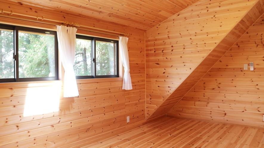 *【コテージ/2階】屋根裏部屋の気分♪お布団を敷いてお休み下さい。