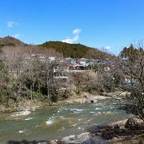 *【コテージからの眺望一例】四季折々の秋川渓谷をお楽しみ下さい