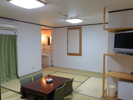 ペンション棟 【和室】 14畳 バス別・トイレ洗面付