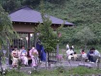 宮田ホタル里で毎年一回開催されるホタル祭りの様子。