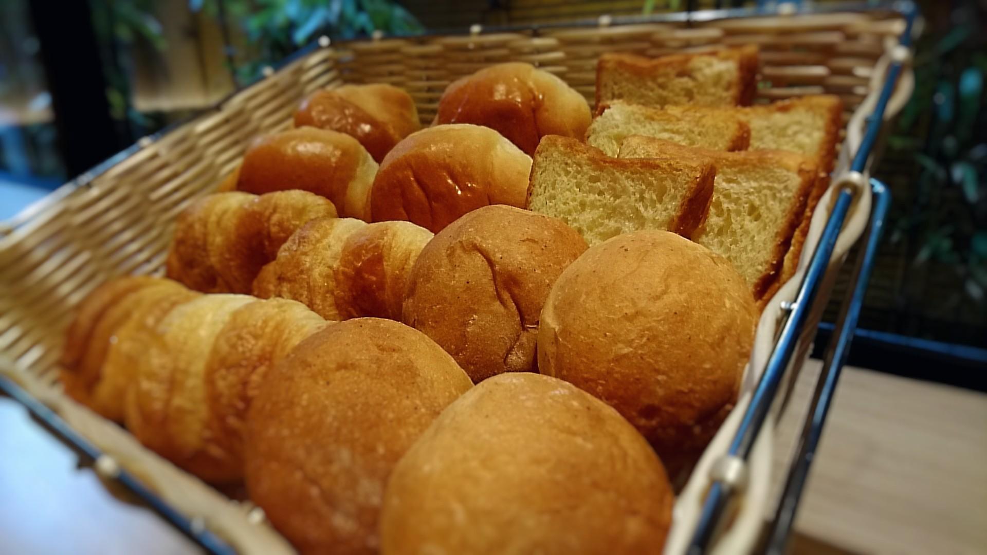 【朝食】風味豊かなふんわりパン