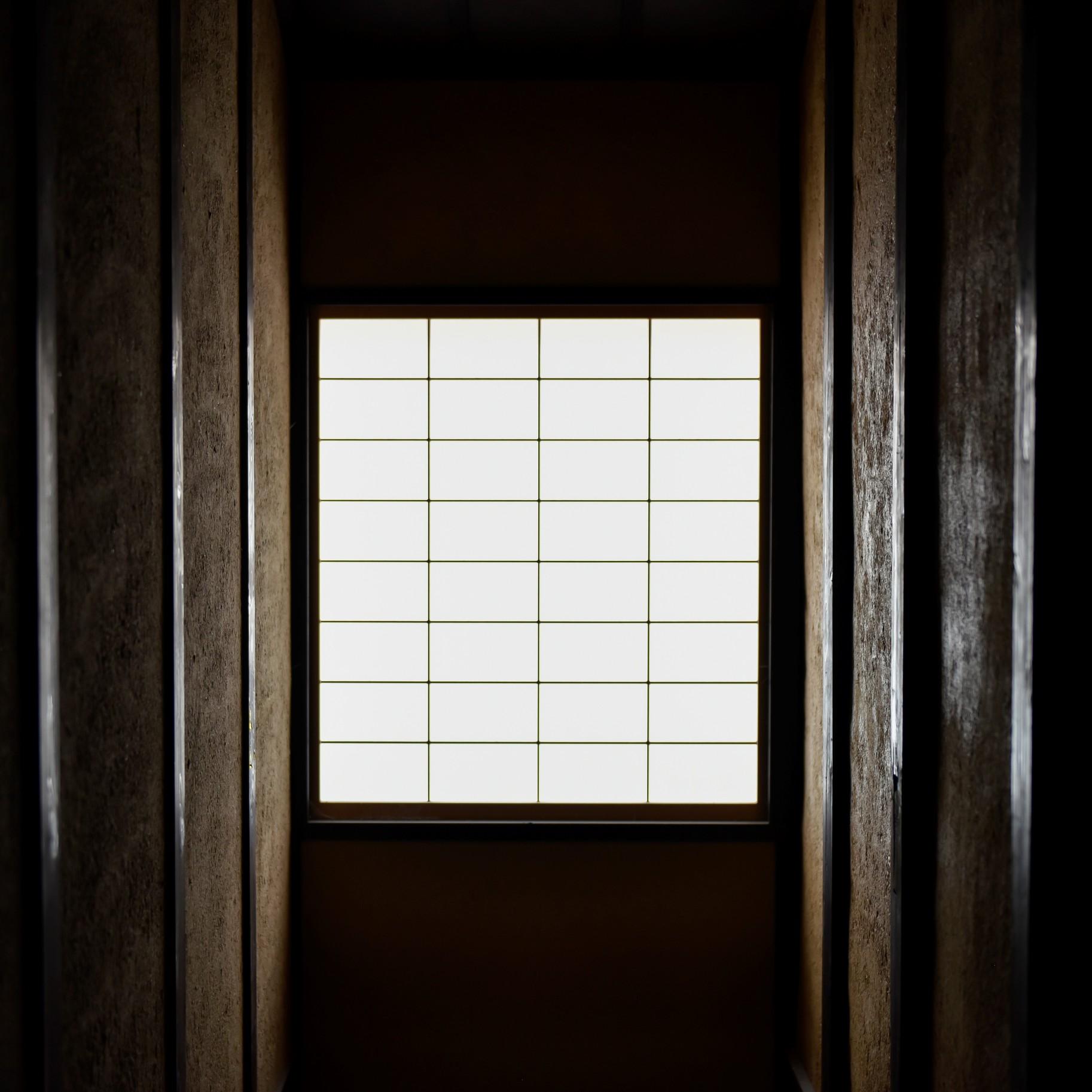 障子2 光と影のコントラスト。