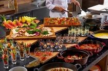 ディナーブッフェでは、こだわりの高原料理が並びます。