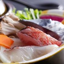 島の海鮮鍋 近隣漁港水揚げ旬魚ほか(秋メニュー・夕食イメージ)
