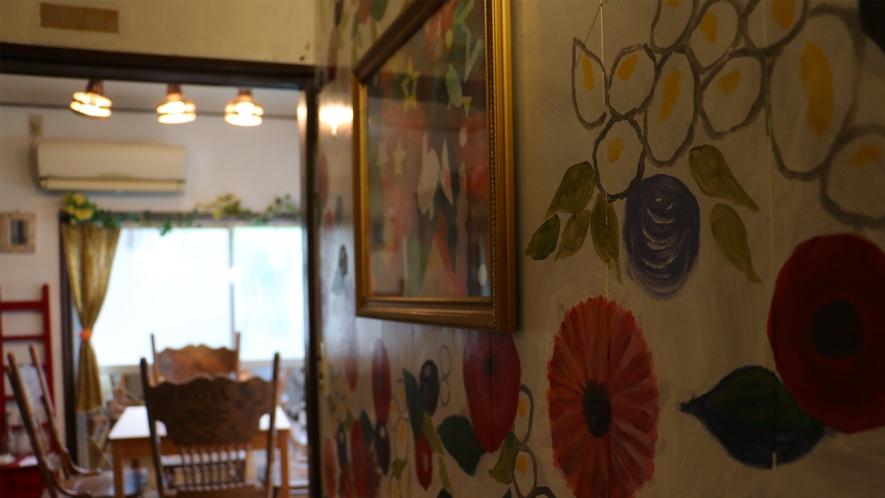 【廊下】オーナーのこだわりが詰まった装飾が随所に施されています♪