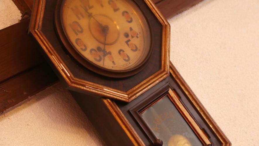 アンティークな壁掛け時計
