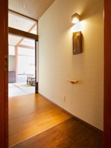 【別邸】半露天風呂付き和洋室(誕生寺側・バリアフリー仕様)玄関